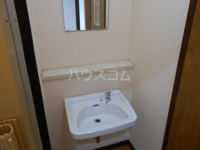 高関コーポ 305号室の洗面所