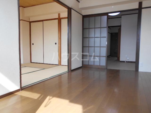 高関コーポ 305号室のリビング