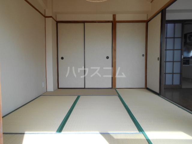 高関コーポ 305号室の居室