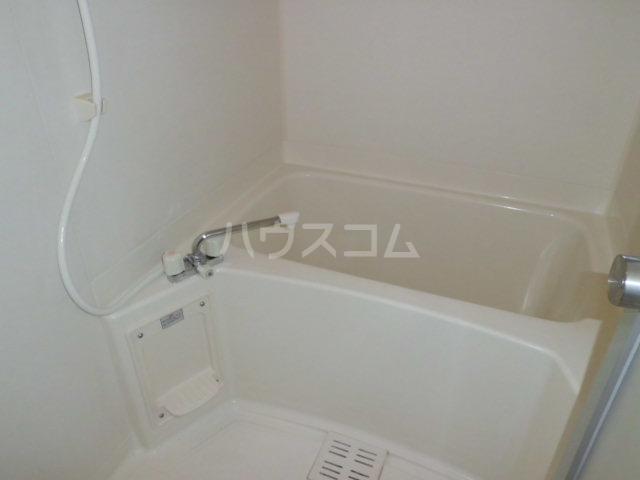 Y`sメゾネットAの風呂