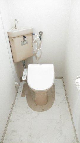 ハイツ理歩B 202号室のトイレ