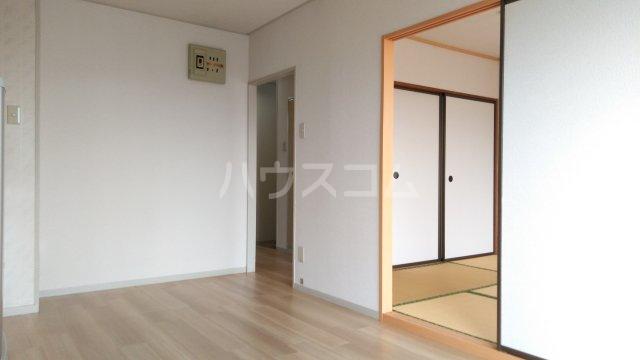 ハイツ理歩B 202号室の居室