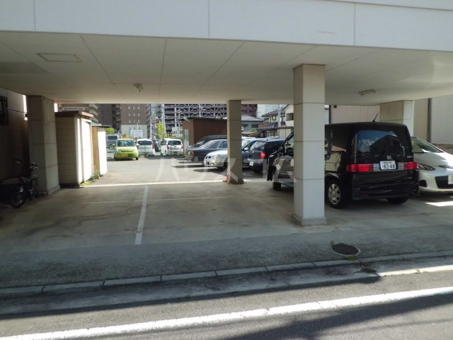KIYAコーポ 202号室の駐車場