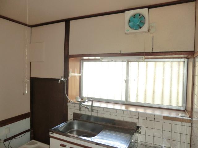 相川一戸建のキッチン