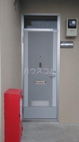 メゾン・ド・ケイ 101号室のエントランス