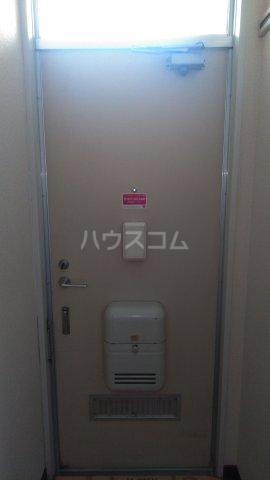 メゾン・ド・ケイ 101号室の玄関