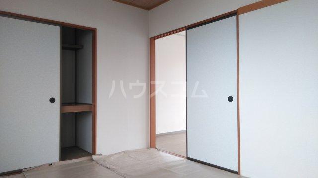 サンベリーA 201号室の居室
