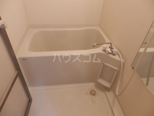 T.Kヒルズ八千代 203号室の風呂