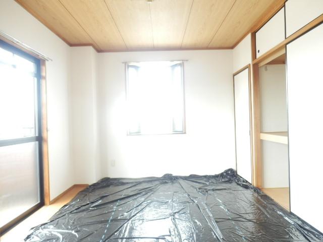 ラ・ディファンス・ミキ 208号室の居室