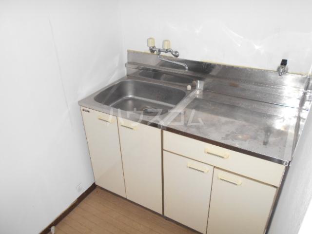 KHハイツ 103号室のキッチン