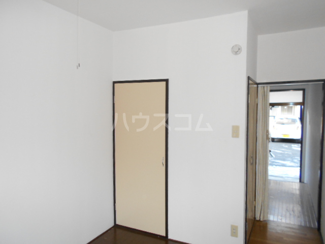 KHハイツ 103号室のリビング