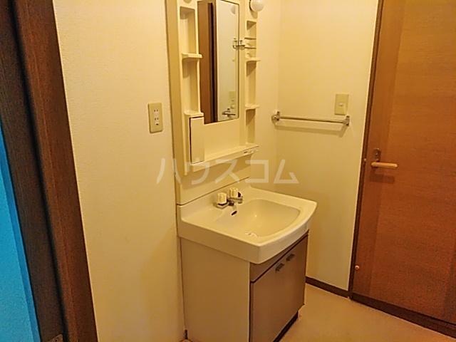 プロスペールムナタカ 102号室の洗面所