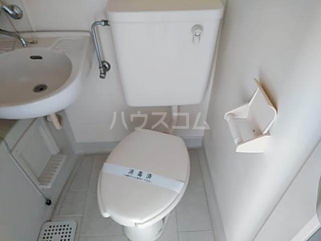 アーバニーハイム上之手 104号室のトイレ