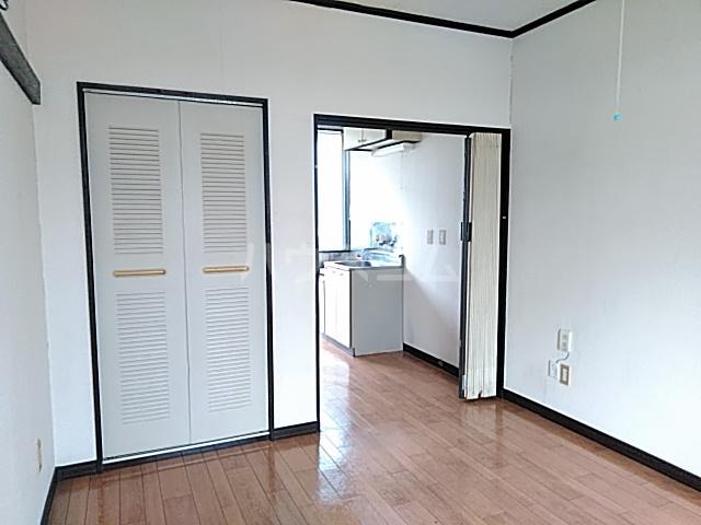 アーバニーハイム上之手 203号室の居室