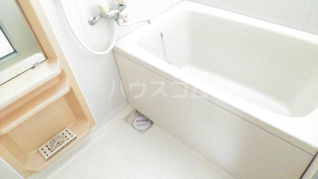 クレールヴィル 202号室の風呂
