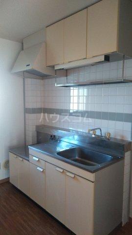 ファミールⅠ 101号室のキッチン
