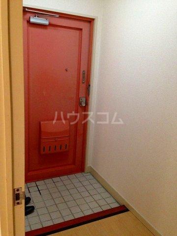 コーポ栄 202号室の玄関