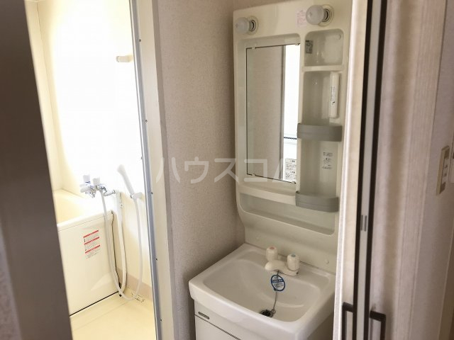 コーポ栄 306号室の洗面所