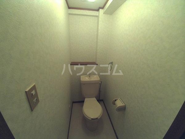 ヴィオラ日名 405号室のトイレ