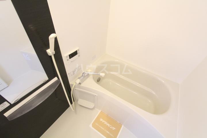 D-roomサンヒルズ B 207号室の風呂