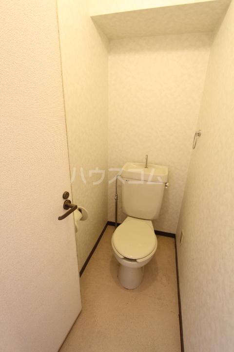 A-Flat 208号室のトイレ