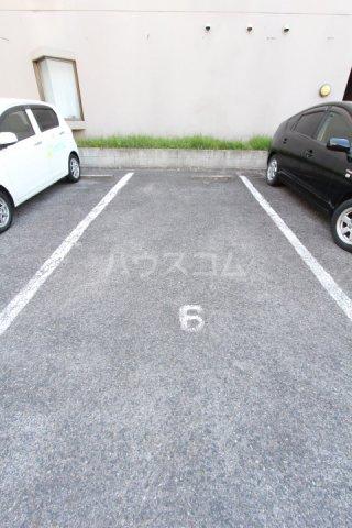 A-Flat 404号室の駐車場