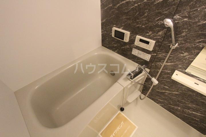 ロイヤル ストーン 201号室の風呂