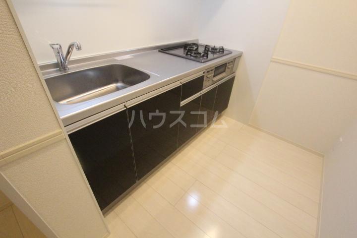 ロイヤル ストーン 201号室のキッチン