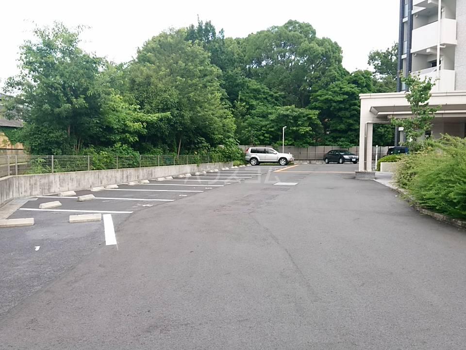 リソシエ花本 103号室の駐車場