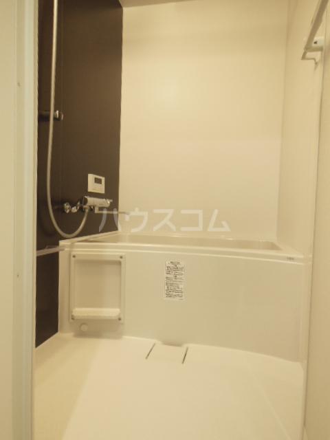 ヴィラ山之手 202号室の風呂