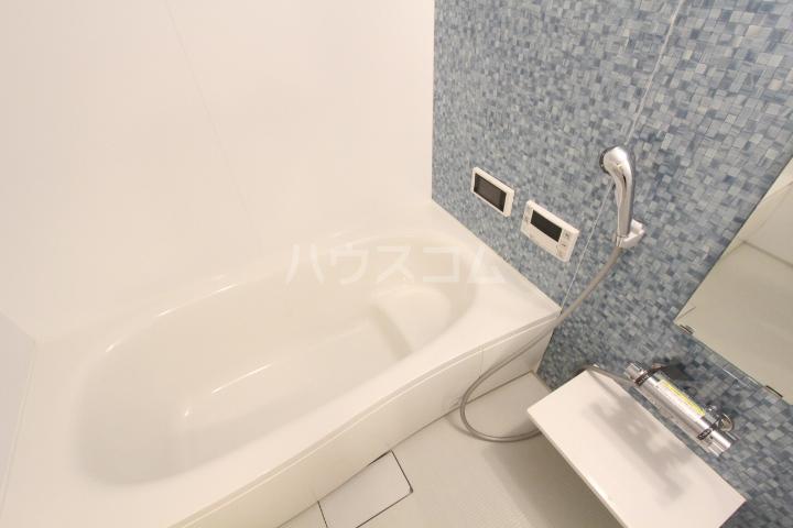 サンシャインヒルズ上挙母 302号室の風呂
