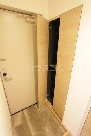 ディアコート 201号室の玄関