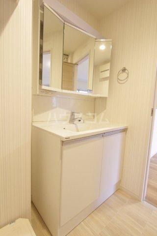 ディアコート 201号室の洗面所