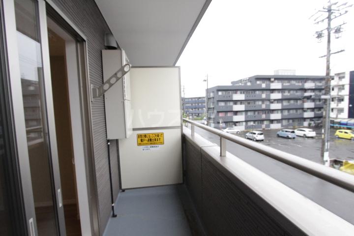 ディアコート 201号室のバルコニー