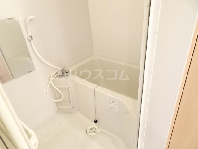テラ・メゾン B棟 210号室の風呂