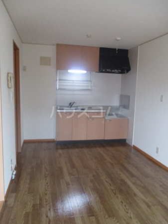 レジデンス大岡 102号室のキッチン