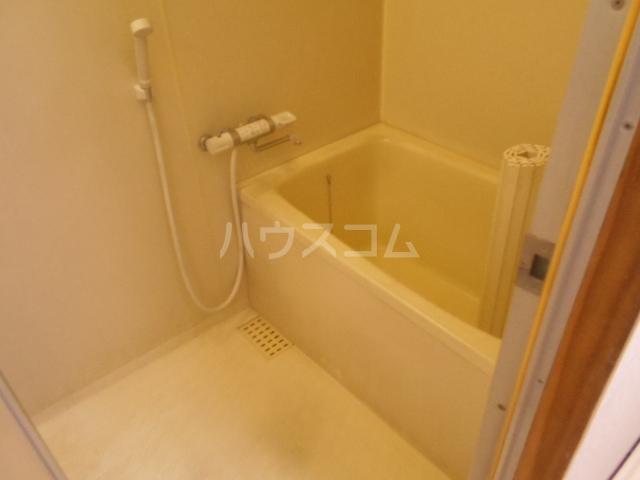 ソレイユ伊吹 101号室の風呂