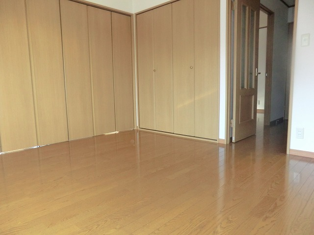 タウニー新安城B 202号室のリビング