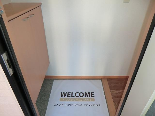 レジデンス大岡B 102号室の玄関