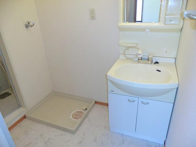 レジデンス大岡B 102号室の洗面所