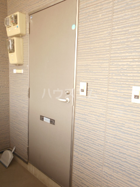 安城第22東海ビル 302号室の玄関
