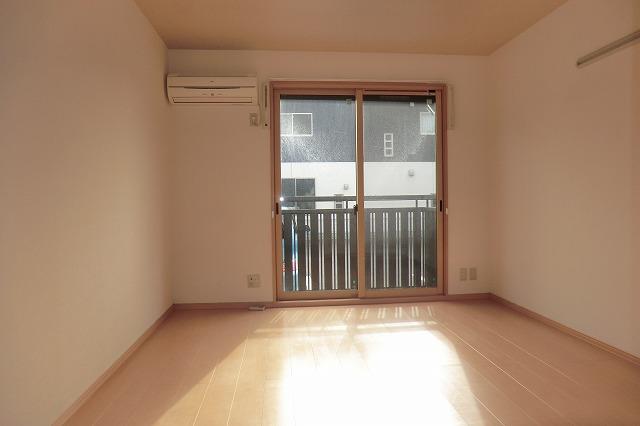 クレールアヴニール B 111号室の居室