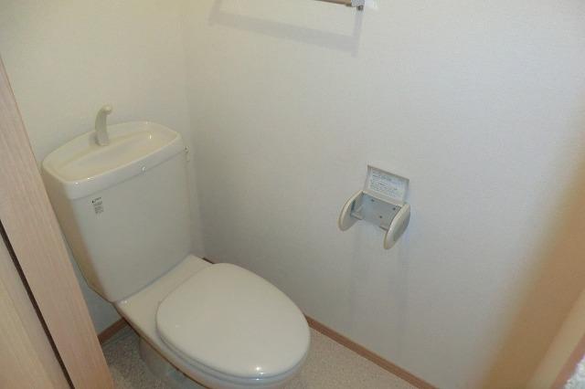 クレールアヴニール B 111号室のトイレ