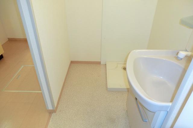 クレールアヴニール B 111号室の洗面所
