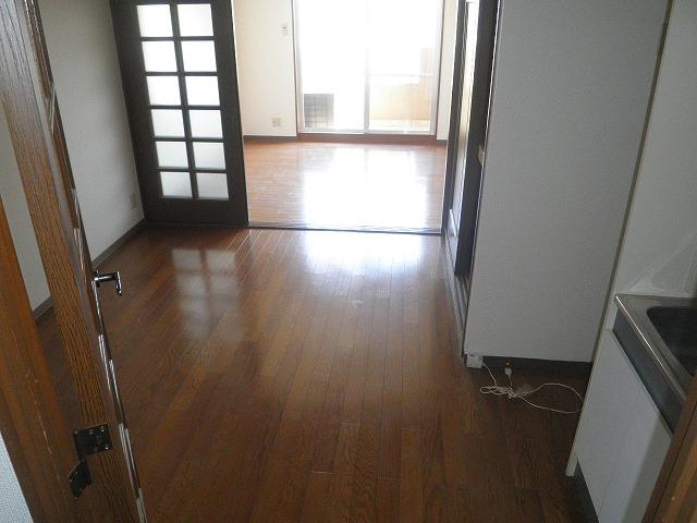 HIGASHIYAMA 306号室のリビング