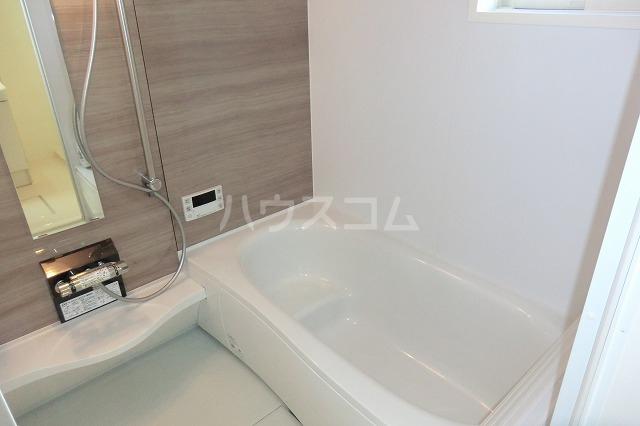 シャルマン ヴィー B 202号室の風呂