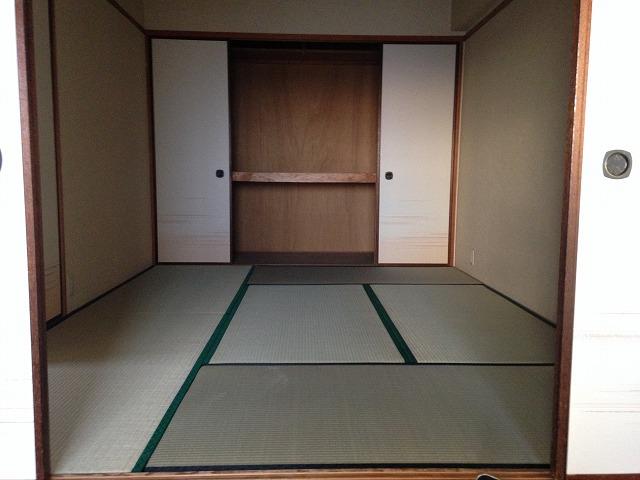第二大嶽ビル 401号室の居室