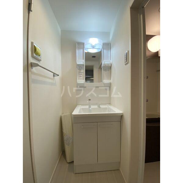 アリビオ今池 102号室の洗面所