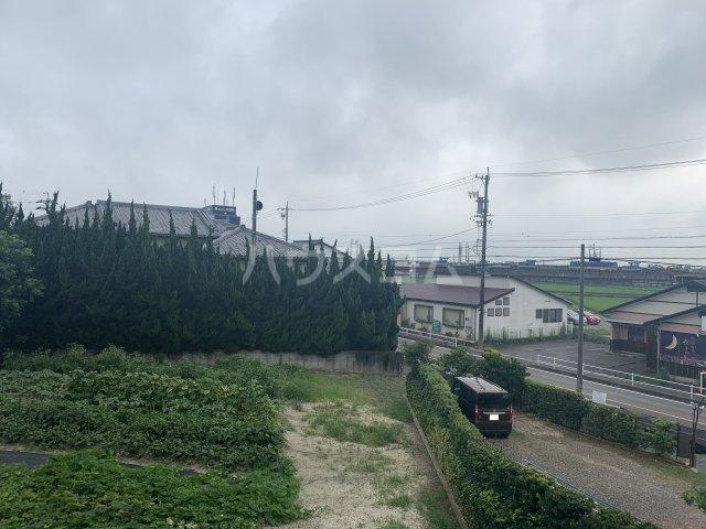 サンモール亀山 205号室の景色