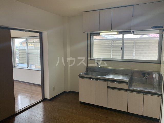 サンモール亀山 205号室のキッチン